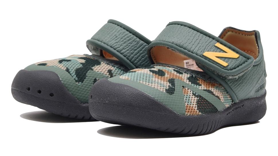 (NB公式アウトレット)【50%OFF】 キッズ IO208 CAM (グリーン) スニーカー シューズ 靴 ニューバランス newbalance セール