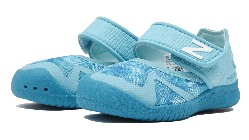 (NB公式アウトレット)【50%OFF】 キッズ IO208 TRP (ブルー) スニーカー シューズ 靴 ニューバランス newbalance セール