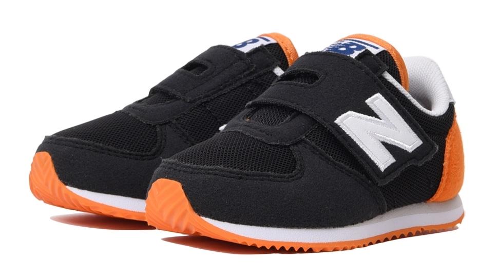 (NB公式アウトレット)【30%OFF】 キッズ IV220 BKO (ブラック) スニーカー シューズ 靴 ニューバランス newbalance セール