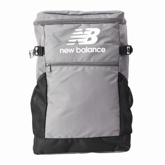 (NB公式アウトレット)【30%OFF】 ユニセックス ロゴスクエアバッグパック (グレー) バッグ 鞄 ニューバランス newbalance セール